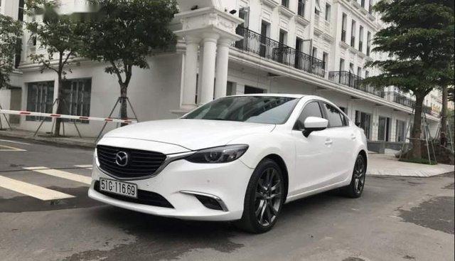 Bán Mazda 6 2.0 Premium năm sản xuất 2017, màu trắng