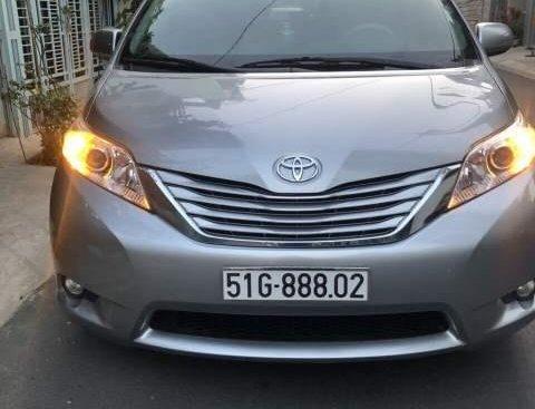 Cần bán xe Toyota Sienna LE 3.5 đời 2011, nhập khẩu Mỹ, chính chủ