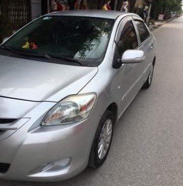 Bán gấp Toyota Vios năm sản xuất 2009, màu bạc xe gia đình