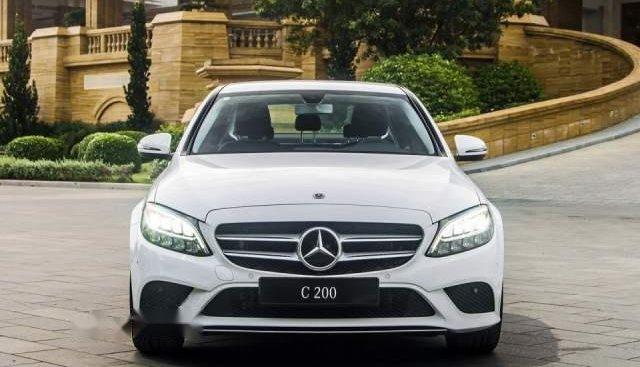 Bán Mercedes C200 sản xuất năm 2019, màu trắng