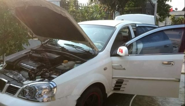 Bán xe Daewoo Lacetti năm sản xuất 2005, màu trắng, xe nhập