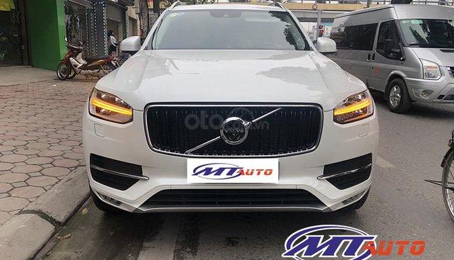 MT Auto bán ô tô Volvo XC90 Momentum 2017, màu trắng, xe nhập khẩu - LH em Hương 0945392468