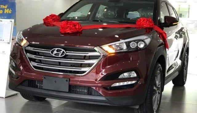 Cần bán xe Hyundai Tucson năm sản xuất 2019, màu đỏ, 775tr