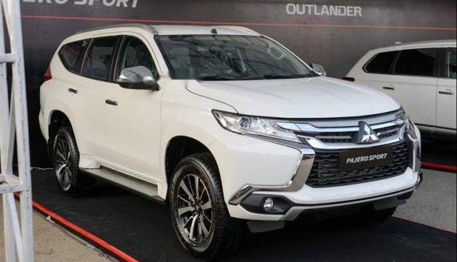 Cần bán Mitsubishi Pajero Sport 2019 số sàn, máy dầu