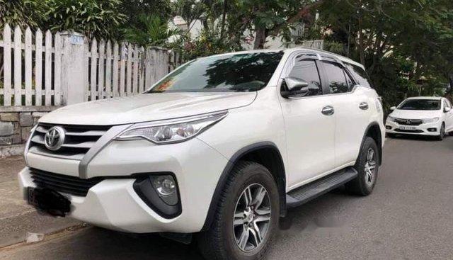 Cần bán Toyota Fortuner năm sản xuất 2017, màu trắng