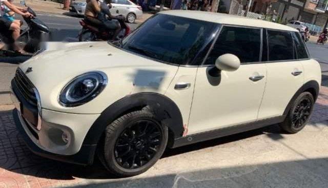 Bán Mini One 1.5 AT năm sản xuất 2018, màu trắng, chạy 350km
