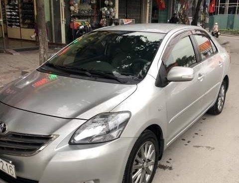 Chính chủ bán ô tô Toyota Vios năm 2013, màu bạc
