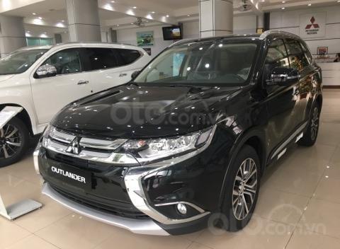 Bán xe Mitsubishi Outlander 2.0, KM đặc biệt trong tháng 8