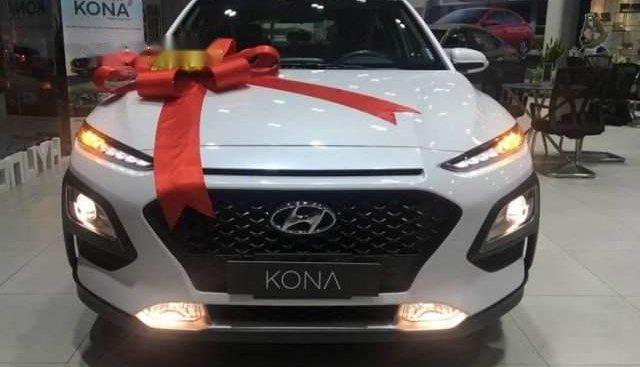 Bán Hyundai Kona 1.6 Turbo năm 2019, màu trắng