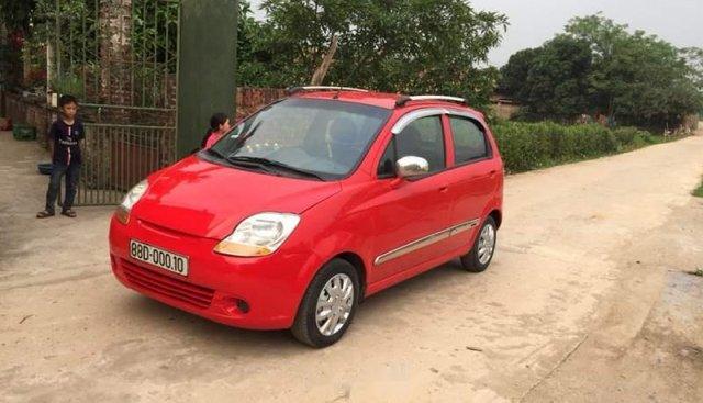 Gia đình bán xe Chevrolet Spark năm sản xuất 2011, màu đỏ, đi giữ gìn cẩn thẩn
