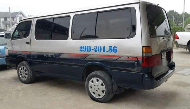 Bán Toyota Hiace đời 2004, nhập khẩu, xe gia đình sử dụng