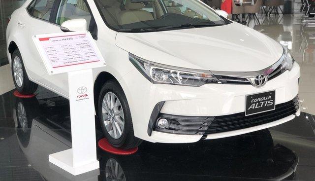 Bán Toyota Corolla Altis năm 2019 màu trắng, 746 triệu