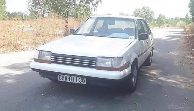 Cần bán Toyota Corona 1.8 1990, màu trắng, nhập khẩu