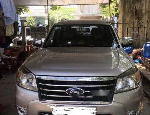 Bán Ford Everest đời 2010, màu bạc, nhập khẩu