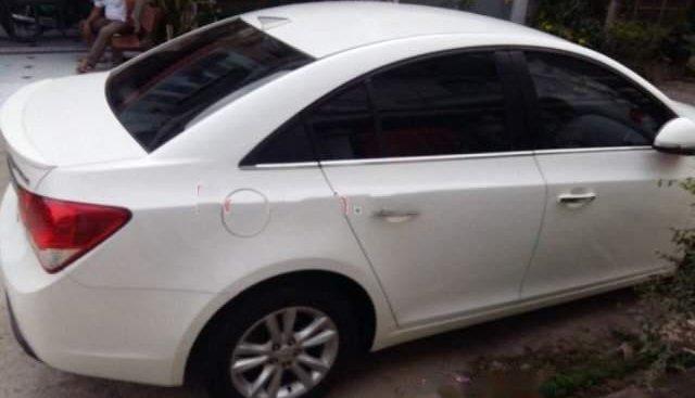 Bán xe Chevrolet Cruze LS 1.6 MT 2015, màu trắng