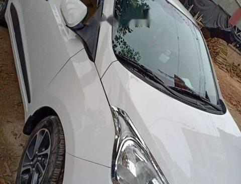 Cần bán Hyundai Grand i10 2018, màu trắng, giá tốt