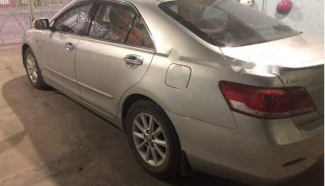 Bán Toyota Camry 2.4G 2012, màu bạc giá cạnh tranh