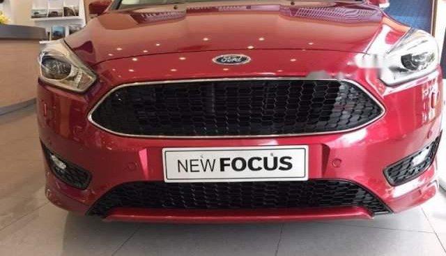 Bán xe Ford Focus 2019, màu đỏ
