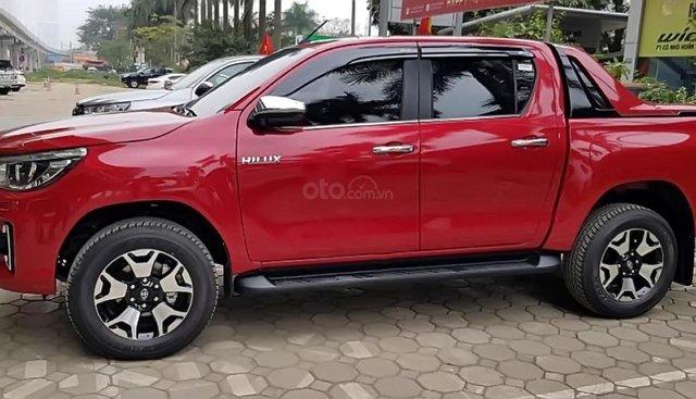 Bán xe Toyota Hilux 2019, màu đỏ, nhập khẩu