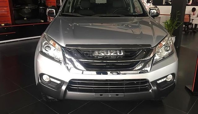 Bán ô tô Isuzu mu-X 3.0 4X2 AT 2016, màu bạc, nhập khẩu nguyên chiếc, 785tr