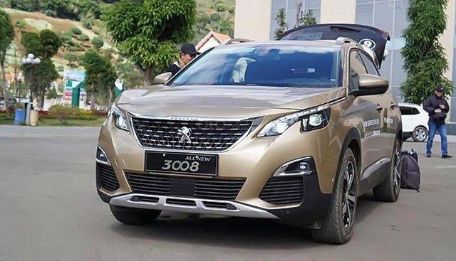 Bán xe Peugeot 3008 1.6 AT sản xuất năm 2019, màu ghi vàng