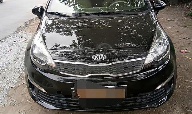 Cần bán gấp Kia Rio sản xuất năm 2015, màu đen, nhập khẩu chính chủ