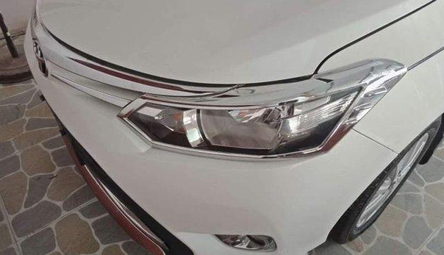Bán Toyota Vios sản xuất 2017, màu trắng