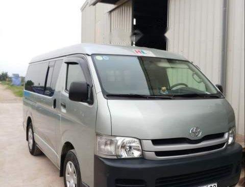 Chính chủ bán lại xe Toyota Hiace Van đời 2010, nhập khẩu