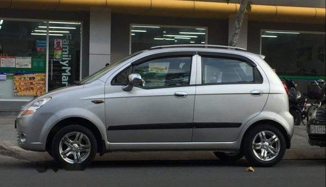 Cần bán gấp Chevrolet Spark đời 2009, màu bạc