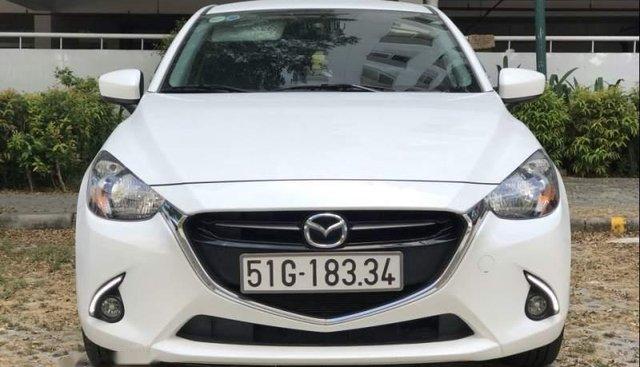 Bán xe Mazda 2 năm sản xuất 2017, màu trắng chính chủ