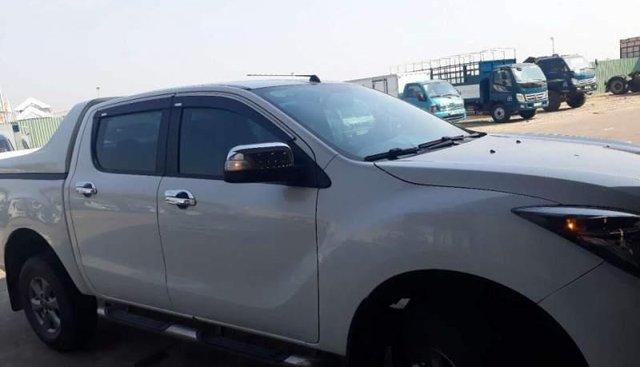 Cần bán Mazda BT 50 2016, màu trắng, nhập khẩu số sàn
