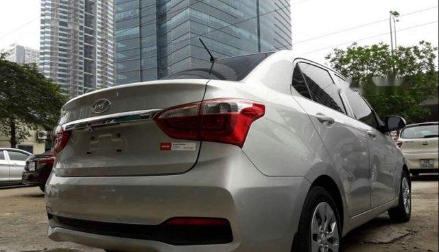 Bán xe Hyundai Grand i10 năm 2018, màu bạc