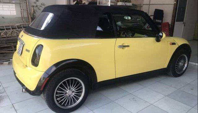 Bán xe Mini Cooper sản xuất năm 2006, màu vàng, nhập khẩu nguyên chiếc