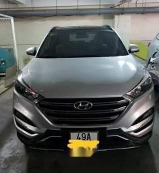 Cần bán xe Hyundai Tucson 2.0 AT 2018, màu bạc, giá 865tr