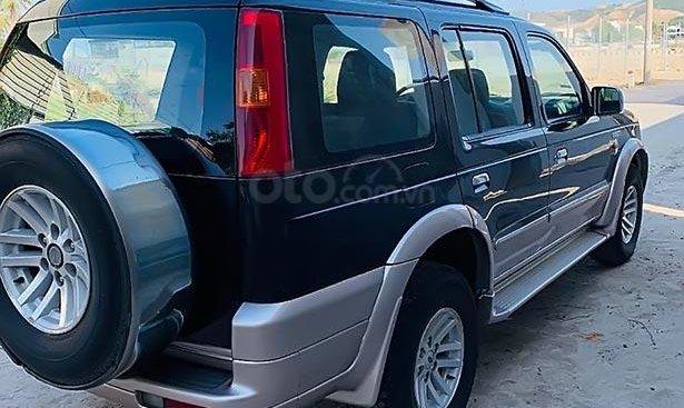 Cần bán lại xe Ford Everest 2.6L 4x2 MT năm 2006, màu đen, 215tr