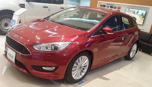 Cần bán Ford Focus 1.5 Ecoboot Sport + sản xuất năm 2019, màu đỏ, giá tốt