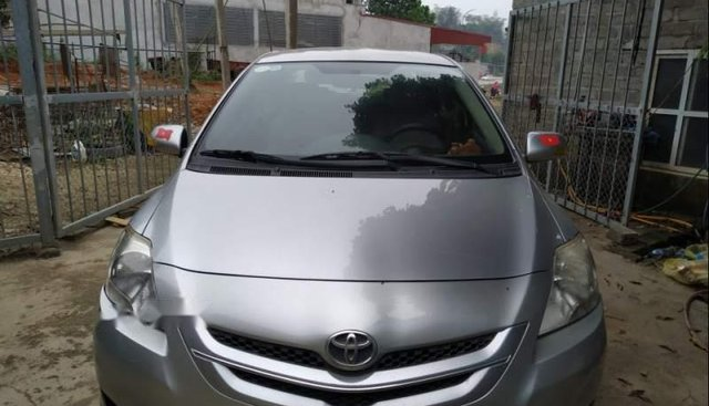 Cần bán gấp Toyota Vios E 2007, màu bạc