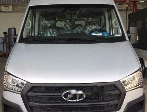 Bán xe Hyundai Solati đời 2019, màu trắng