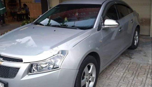 Cần bán lại xe Chevrolet Cruze năm 2012, màu bạc