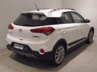 Bán xe Hyundai i20 Active đời 2015, màu trắng, nhập khẩu xe gia đình, giá chỉ 510 triệu