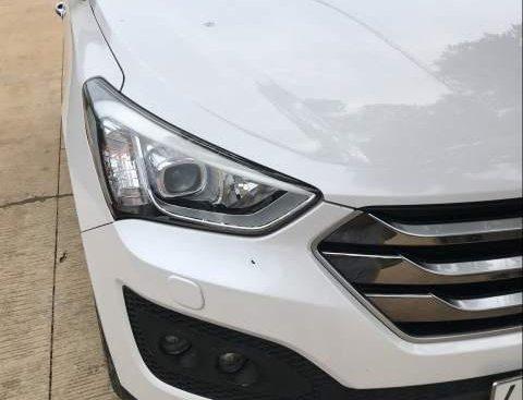 Bán xe Hyundai Santa Fe sản xuất 2015, màu trắng, 885tr
