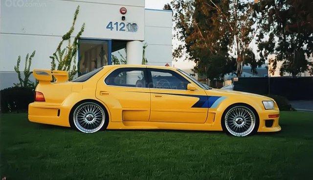Cần bán Lexus LS 400 đời 1992, màu vàng, nhập khẩu nguyên chiếc