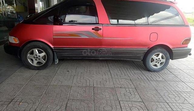 Bán xe cũ Toyota Previa đời 1993, màu đỏ, nhập khẩu