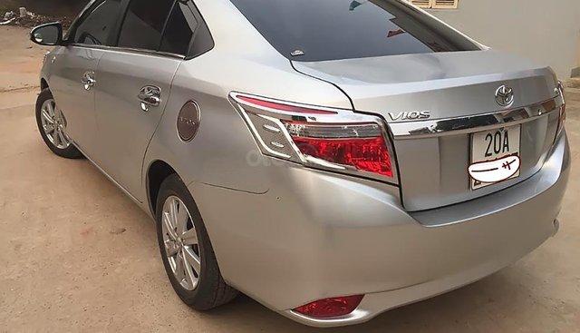 Cần bán gấp Toyota Vios G đời 2016, màu bạc như mới