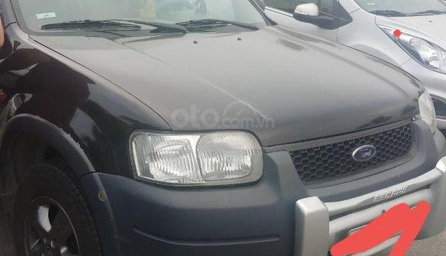 Bán ô tô Ford Escape sản xuất năm 2004, màu đen, tiết kiệm nhiên liệu