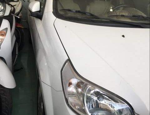 Cần bán Chevrolet Aveo năm 2016, màu trắng mới chạy 14.000km, giá tốt