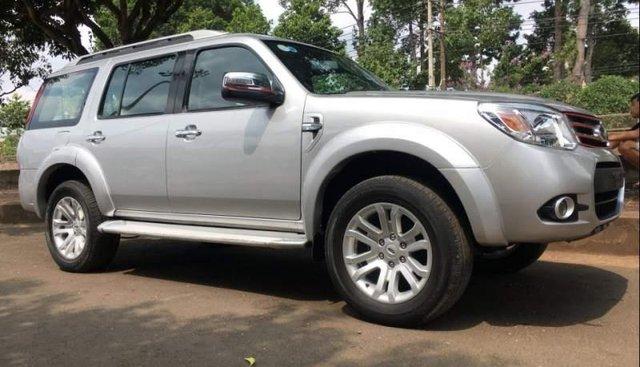 Bán Ford Everest năm sản xuất 2014, màu bạc còn mới