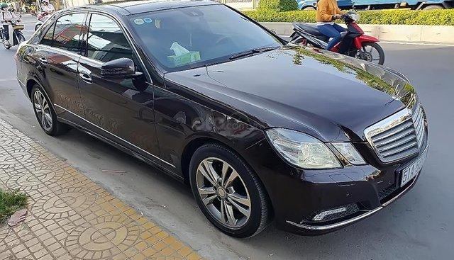 Bán Mercedes E300 sản xuất năm 2009, màu nâu, giá tốt