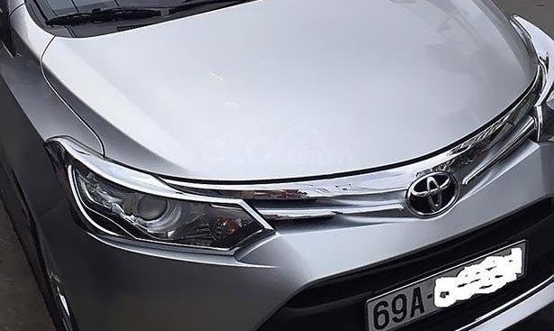 Cần bán xe Toyota Vios G 2015, màu bạc, chính chủ