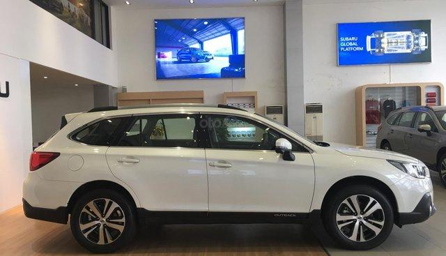 Bán Subaru Outback 2.5 EyeSight tại miền Trung, màu trắng, nhập khẩu nguyên chiếc từ Nhật Bản